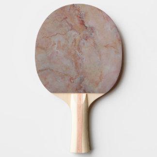ピンクの線がある大理石の石造りの終わり 卓球ラケット