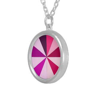 ピンクの色合い シルバープレートネックレス