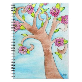 ピンクの花が付いている美しい木 ノートブック