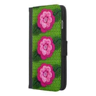 ピンクの花のかぎ針編みのiPhone 6のプラスのウォレットケース