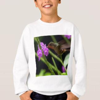 ピンクの花のかわいいハチドリ99上のぶんぶんいう鳥 スウェットシャツ