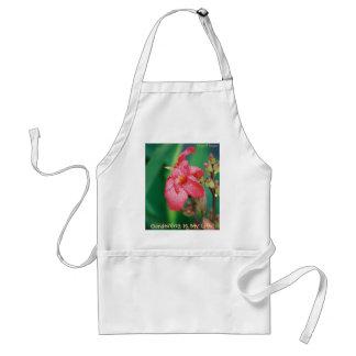 ピンクの花のエプロンの雨滴 スタンダードエプロン