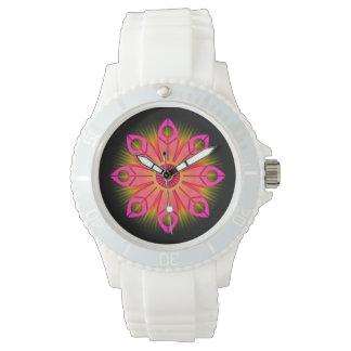 ピンクの花の破烈 腕時計