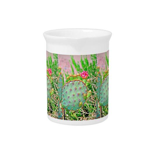 ピンクの花の磁器の水差しが付いているサボテン ピッチャー