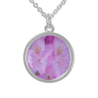 ピンクの花の純銀製のネックレス スターリングシルバーネックレス