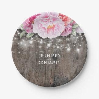 ピンクの花の素朴な木は結婚式をつけます ペーパープレート