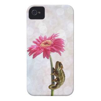 ピンクの花の緑のカメレオン Case-Mate iPhone 4 ケース