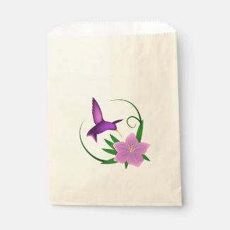 ピンクの花を持つハチドリ フェイバーバッグ