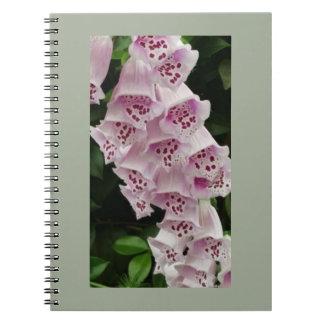 ピンクの花ジャーナル ノートブック