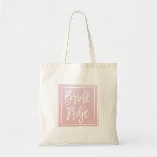 ピンクの花嫁の種族のトート トートバッグ