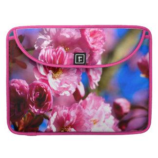 ピンクの花 MacBook PROスリーブ