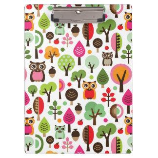 ピンクの葉の木のレトロのフクロウパターン クリップボード