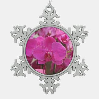 ピンクの蘭の開花 スノーフレークピューターオーナメント