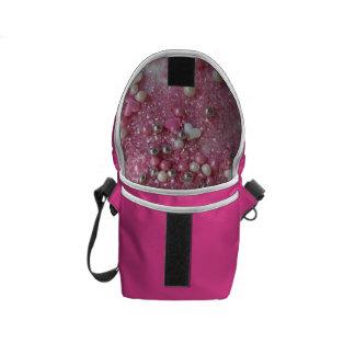 ピンクの輝きおよび愛ハート メッセンジャーバッグ