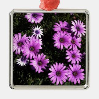 ピンクの野生の花 メタルオーナメント
