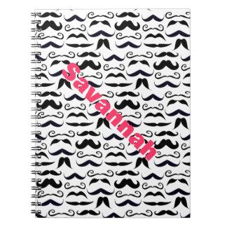 ピンクの音名の髭のヒップスターパターン ノートブック