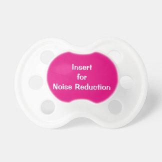 ピンクの騒音低減装置 おしゃぶり