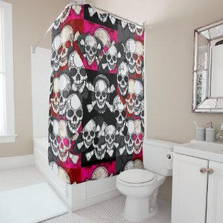 ピンクの黒いスカルのきらきら光るなパターン シャワーカーテン