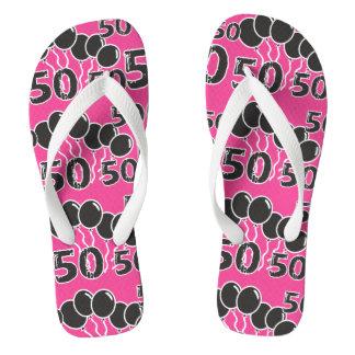 ピンクの黒いフェスティバルの第50誕生日のビーチサンダル ビーチサンダル