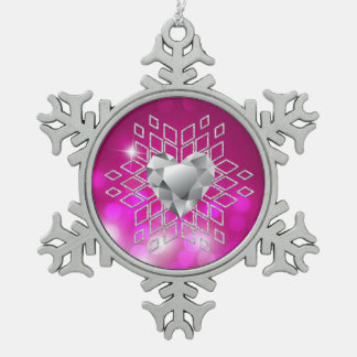 ピンクの《写真》ぼけ味のダイヤモンドの雪片及びハート スノーフレークピューターオーナメント