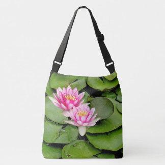 ピンクの《植物》スイレンによってはLilypadsのカメのトートバックが開花します クロスボディバッグ