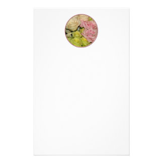 ピンクの、黄色い及びモモのバラの花束 便箋
