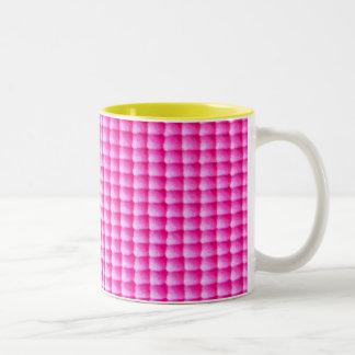 ピンクのbubblegumの質パターン ツートーンマグカップ