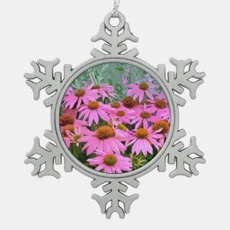 ピンクのechinaceaの花柄の雪片のオーナメント スノーフレークピューターオーナメント