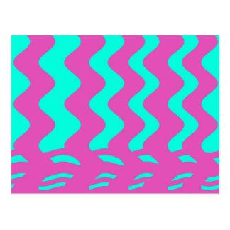 ピンクのturqouiseは縞で飾ります ポストカード