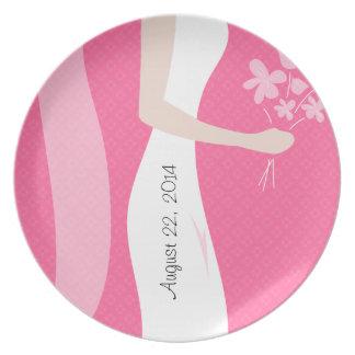 ピンクは日付のブライダルの皿を加えます プレート