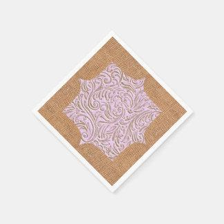 ピンクベージュ色のヴィンテージのScrollworkのバーラップのデザイン スタンダードカクテルナプキン