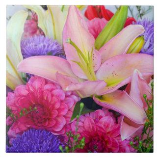 ピンクユリおよびダリアの花はセラミックタイルを印刷します タイル