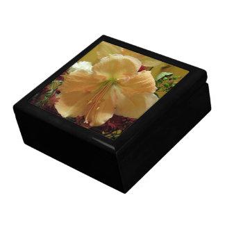 ピンクユリの花束のギフト用の箱 ギフトボックス