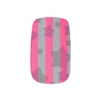 ピンク及び灰色 ネイルアート