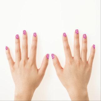 ピンク及び白い円パターンMinxのネイル ネイルアート