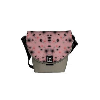 ピンク及び黒い拡散 メッセンジャーバッグ