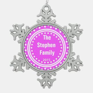 ピンク家族のモノグラムの記念品の休日のオーナメント スノーフレークピューターオーナメント