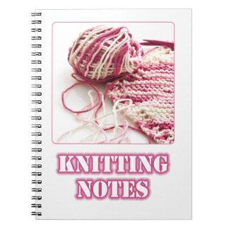 ピンク手の編み物および針の写真 ノートブック