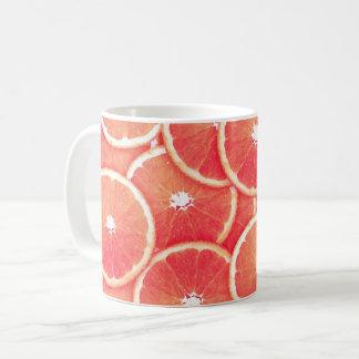 ピンク種のグレープフルーツの切れ コーヒーマグカップ