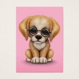 ピンク細字用レンズを持つゴールデン・リトリーバーの子犬 名刺