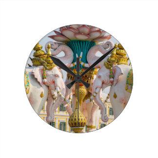ピンク象バンコクタイの彫像 ラウンド壁時計