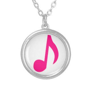 ピンク音楽ノートの円形の銀によってめっきされるネックレス シルバープレートネックレス