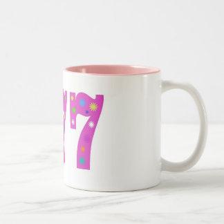 ピンク777 2つの調子のマグ ツートーンマグカップ