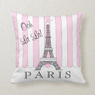 ピンク 白いパリエッフェル塔のOohのLaのLa クッション