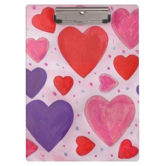ピンク、紫色及び赤のバレンタインデーのハート