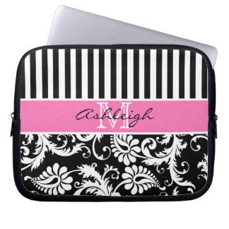 ピンク、黒く、白いダマスク織のストライプなラップトップスリーブ ラップトップスリーブ