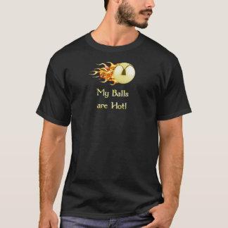 ピンボールを炎にあてる熱い球 Tシャツ