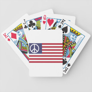 ピースサインの記号米国は及びストライプの米国旗主演します バイスクルトランプ