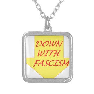 ファシズムと シルバープレートネックレス