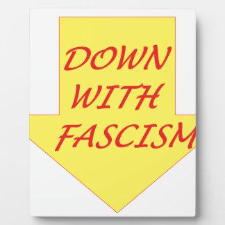 ファシズムと フォトプラーク